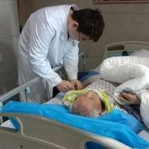 他的針灸術,讓病患從偏癱到運動