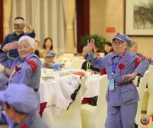 """组图:""""八千湘女""""代表去韶山 唱起《东方红》跳起民族舞重返18岁"""