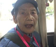 回到娘家,这位湘女奶奶即兴写下两首诗